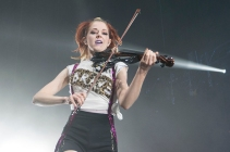 Lindsey-Stirling_Kevin-Knipping_1